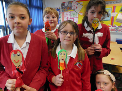 Danielle Bright, Jake Milne, Nicola Tams, Isabelle Colley, Holly Milne had lots of fun making wooden spoon puppets.